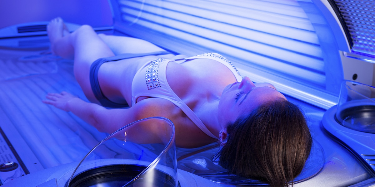 busty-tanning-bed